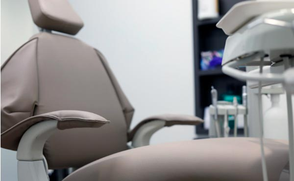 descuidar la higiene dental